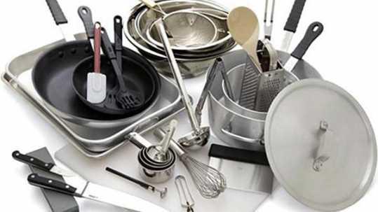 Cara Merawat Peralatan Masak di Rumah